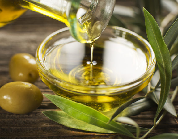Olive oil smells that make weight loss easier